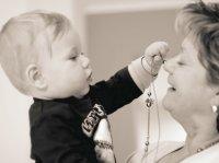 Naše děti potřebují i prarodiče
