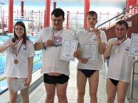 Sportovní klub Linie radosti přivezl sedm medailí z Mistrovství ČR v plavání
