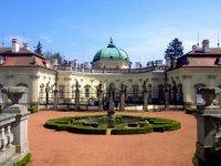 Výlet do Buchlovic spojený s návštěvou zámku a zámecké zahrady